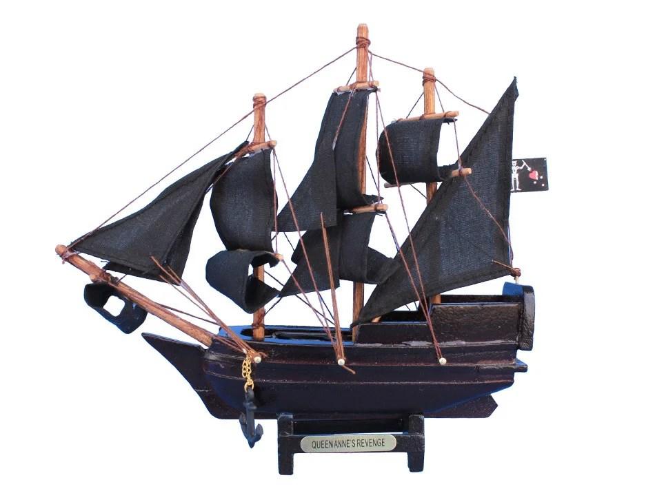 """7""""L Blackbeards Queen Anne Revenge Model Ship"""