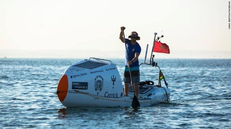 El primer hombre que cruza solo  el Océano Atlántico en  paddle surf
