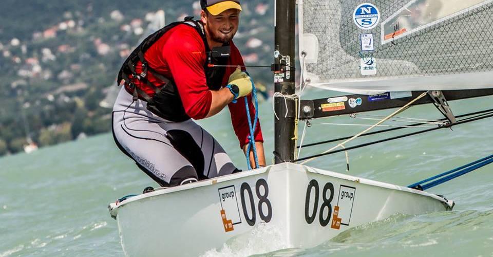 Finn Silver Class . Joven marinero en el Campeonato del Mundo de Finlandia Sub23