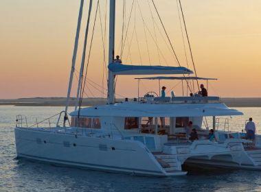 Dawe yachts. Alquiler de catamaranes