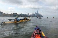 Navegar por la isla de Manhattan en un kayak
