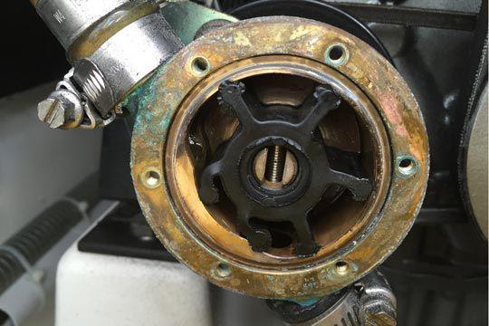 Bomba de agua de un motor