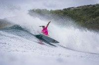 Tyler Wright revalida su título de campeona de la Championship Tour de la World Surf League.