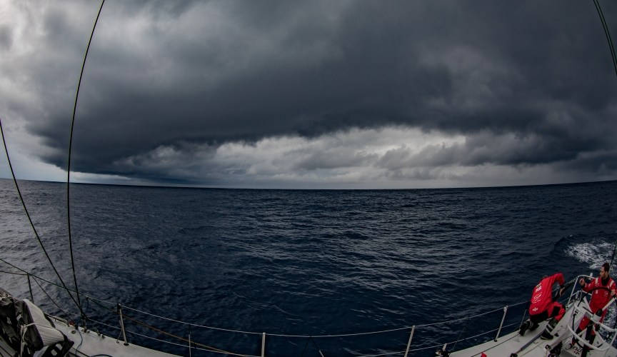Volvo Ocean Race. Los barcos se alejan de Auckland...