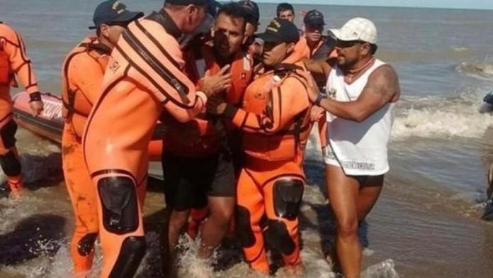 Rescataron a un hombre que estuvo 2 días en el mar en un kayak