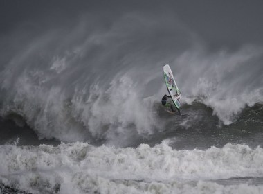 Red Bull Storm Chase, en busca de tormentas de fuerza 10