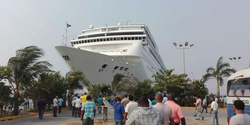 Choque de gigantesco crucero