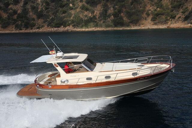 Gozzo Positano 38, estilo mediterráneo
