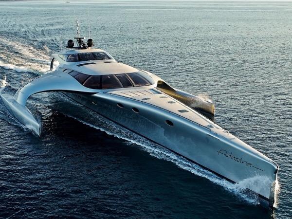 Trimarán Adastra Yacht