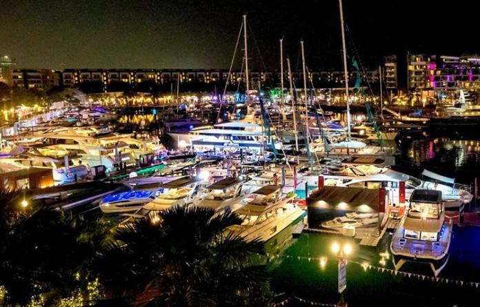 Yacht Show . Singapur y Hong Kong
