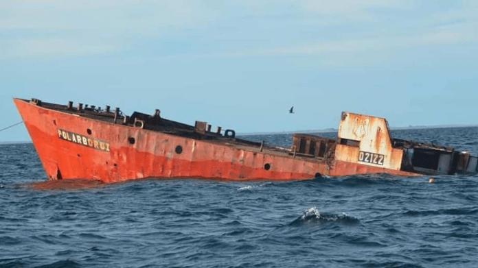 hundimiento de un barco
