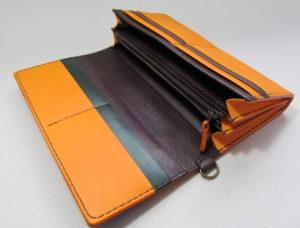 オレンジ長財布