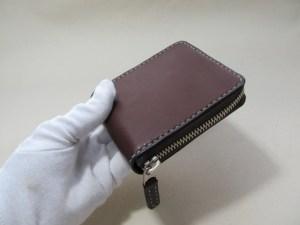 ラウンドファスナー二つ折り財布チョコ