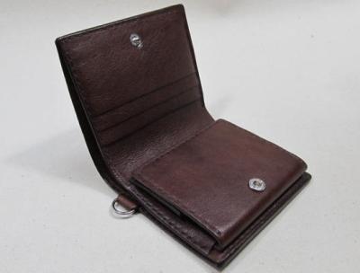 コンパクト二つ折り財布チョコ革