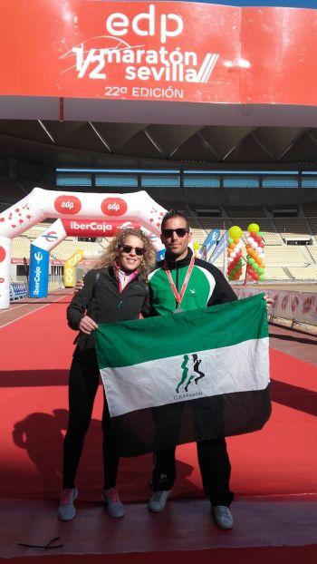 C.D. Navalmaratón participa en la EDP Media Maratón de Sevilla