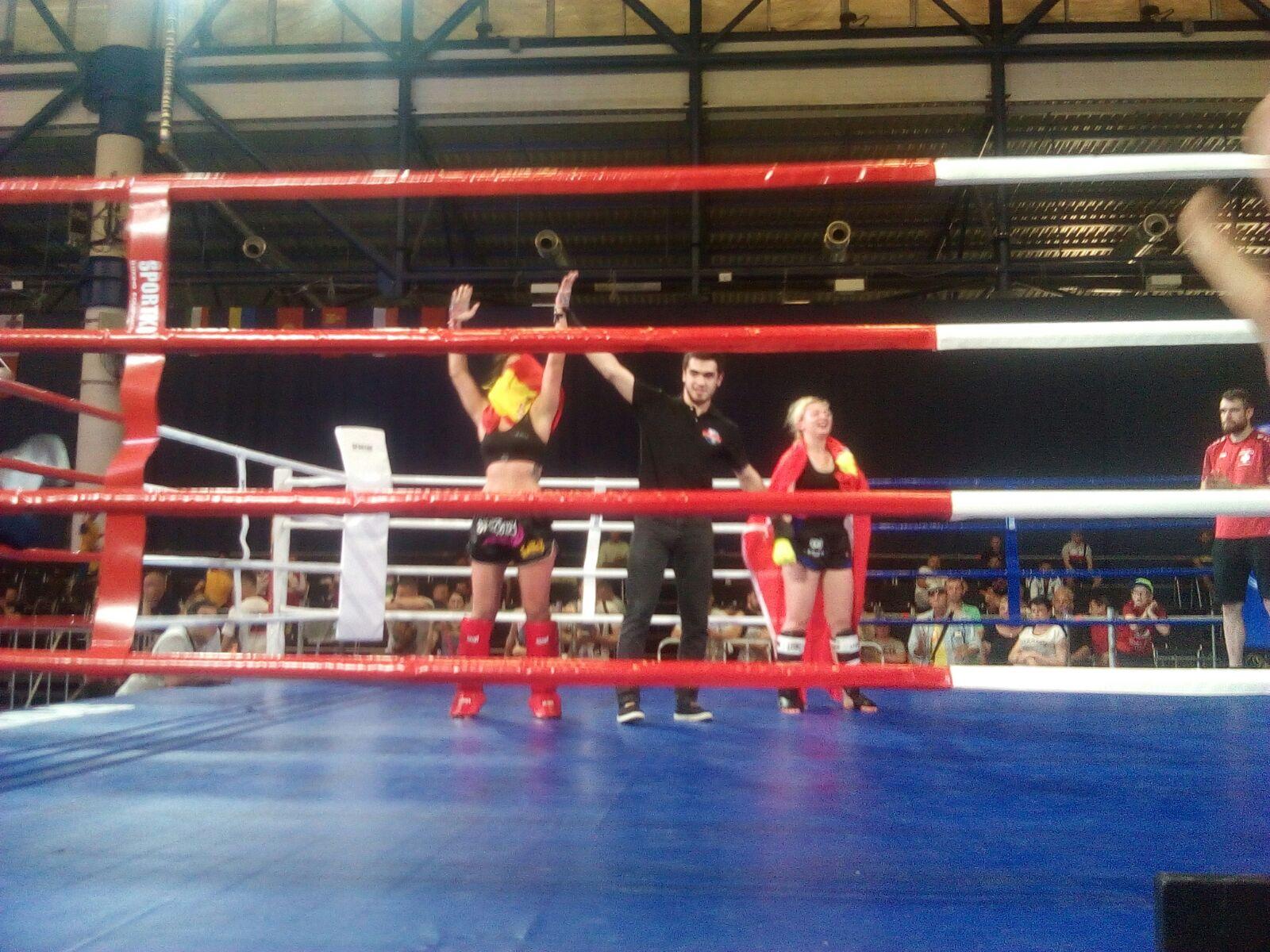 Lourdes León, del club MAE FIGHTING, se proclama campeona del mundo de Kick Boxing y subcampeona de K1 Rules en el mundial ISKA 2018 (6)