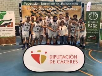 Reale Baloncesto Navalmoral campeón del Trofeo Diputación de Cáceres de Baloncesto