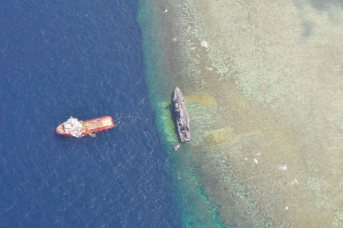 1200px uss guardian aground viewed from above - naval post- naval news and information