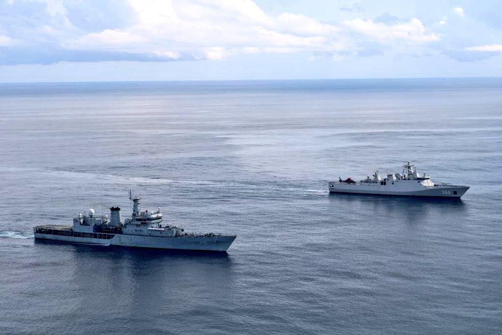 e03llryveampfar - naval post