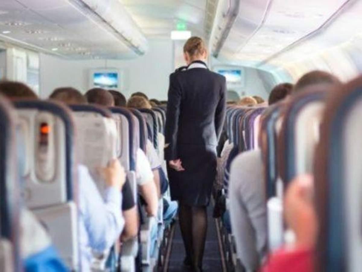 फ्लाइट के दौरान सेक्स का ऑफर दे रहीं ब्रिटिश एयर होस्टेस? एयरवेज ने शुरू की जांच