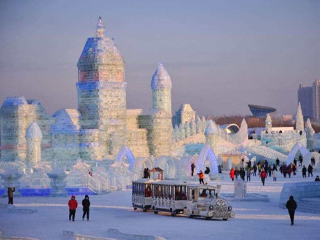इसलिए महीनों तक टिके रहते हैं बर्फ के ये महल