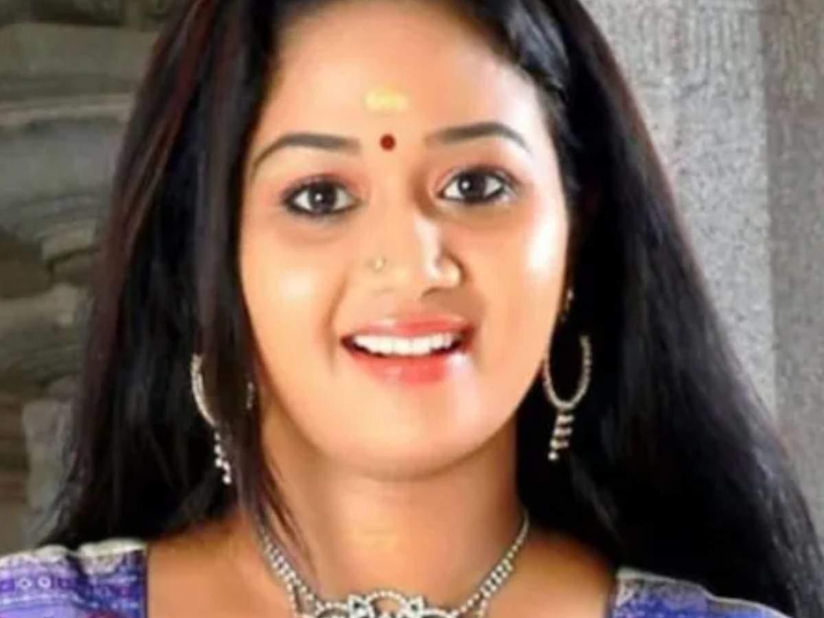 Saranya Sasi dies: Malayalam actress Saranya Sasi dies of cancer at the age of 35