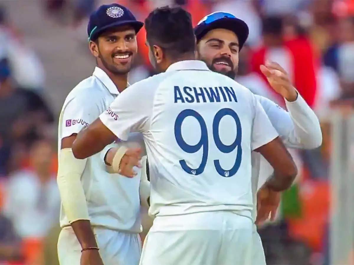 Twitter response to Ashwin: R.  Even in the third Test, Ashwin did not get a chance, fans started a 'war' on Twitter