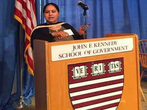 मीसा का फोटो, जिसे हार्वर्ड यूनिवर्सिटी गलत बता रही है।