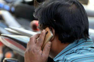 Talking on calls from Android phone users may be 'dangerous', know the reason