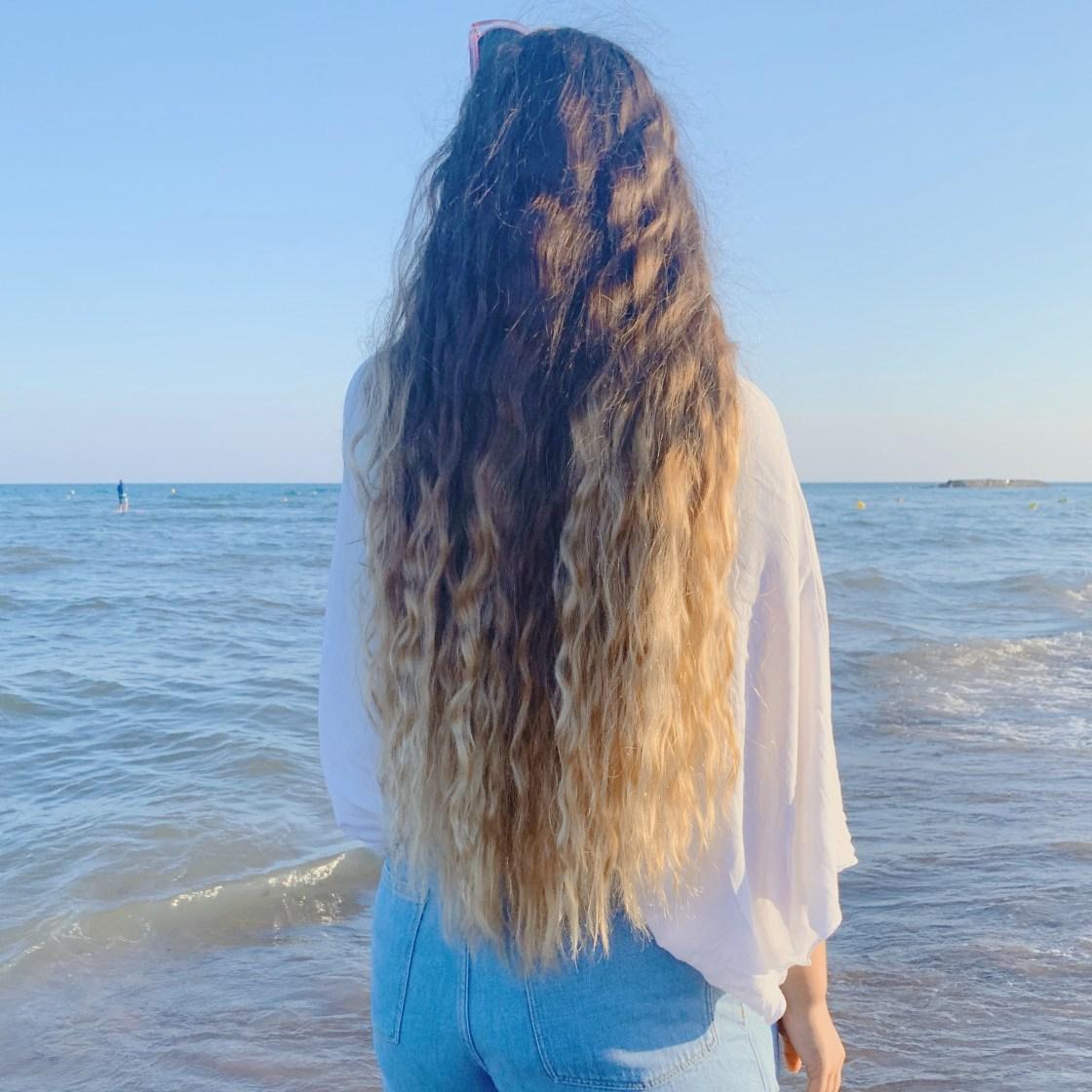 Au bord de l'eau, face à la plage pour parler du Bilan 2019