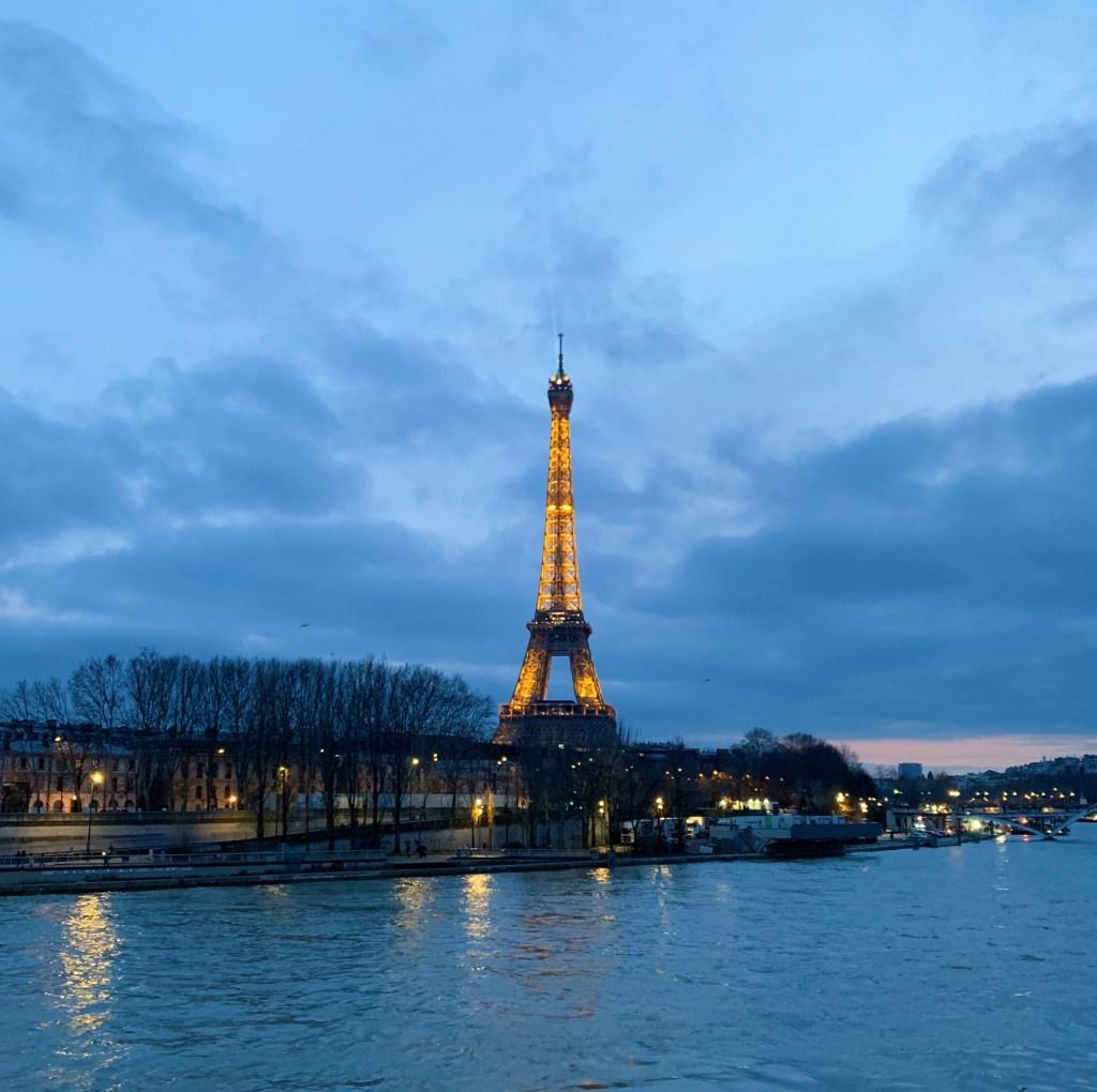 La Tour Eiffel au coucher du soleil