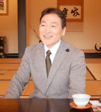 伊達泰宗氏が騎馬で率いる時代絵巻巡行   machinaviPRESS 仙臺