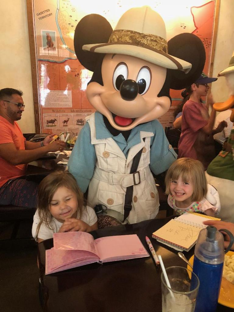 character dining experiences: tusker house