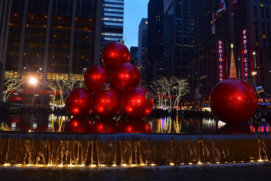 NYC decorations, cold winter family getaways