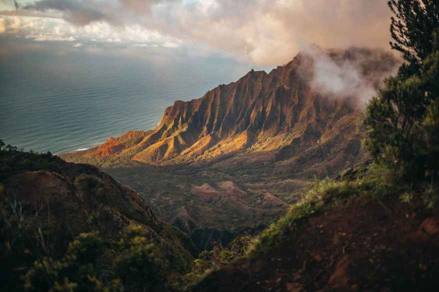 brown mountains, Hawaii. warm winter family getaways