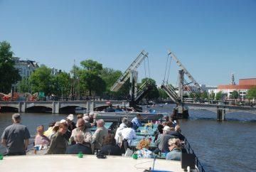 borrels, feesten en partijen varend op het water rondom amsterdam