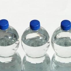 Sodavand- og vandflasker er stort set altid lavet af PET-plastik. Foto: Hans Braxmeier