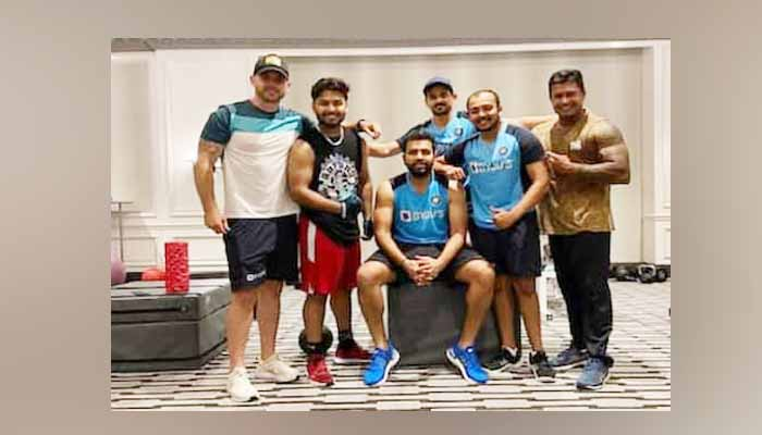 brisben test 2021, team india clean toilet in brisbane hotel,
