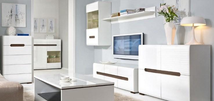 Правильное сочетание белой мебели с цветными стенами