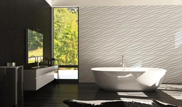 Украшение всей стены за ванной выглядит настолько же красиво, как и за кроватью расположенной в спальне. Фото