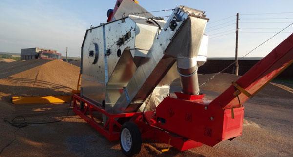 Транспортировка зерна по конвейеру и его очистка