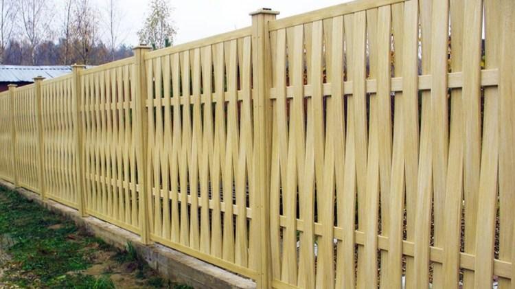 Преимущества, недостатки и стоимость изготовления деревянного забора
