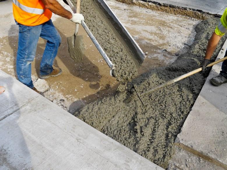 разгрузка бетона на объекте