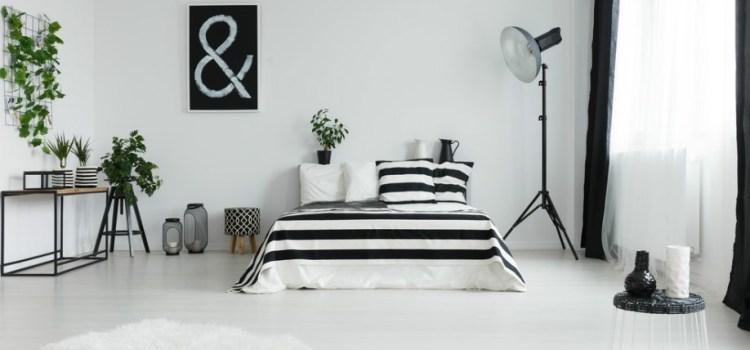 Обустройство черно-белой спальни
