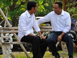 Presiden Jokowi bersama Anies Baswedan.