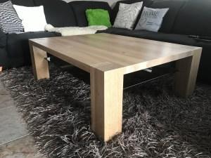 Masivní dubový konfereční stolek se sklem na míru,