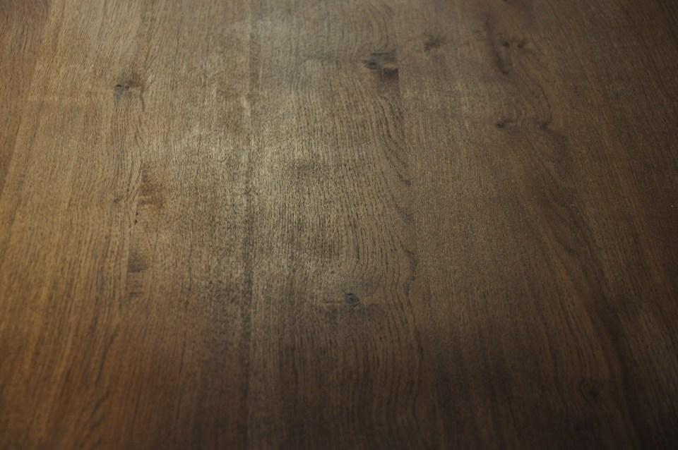 Netradiční designový stůl