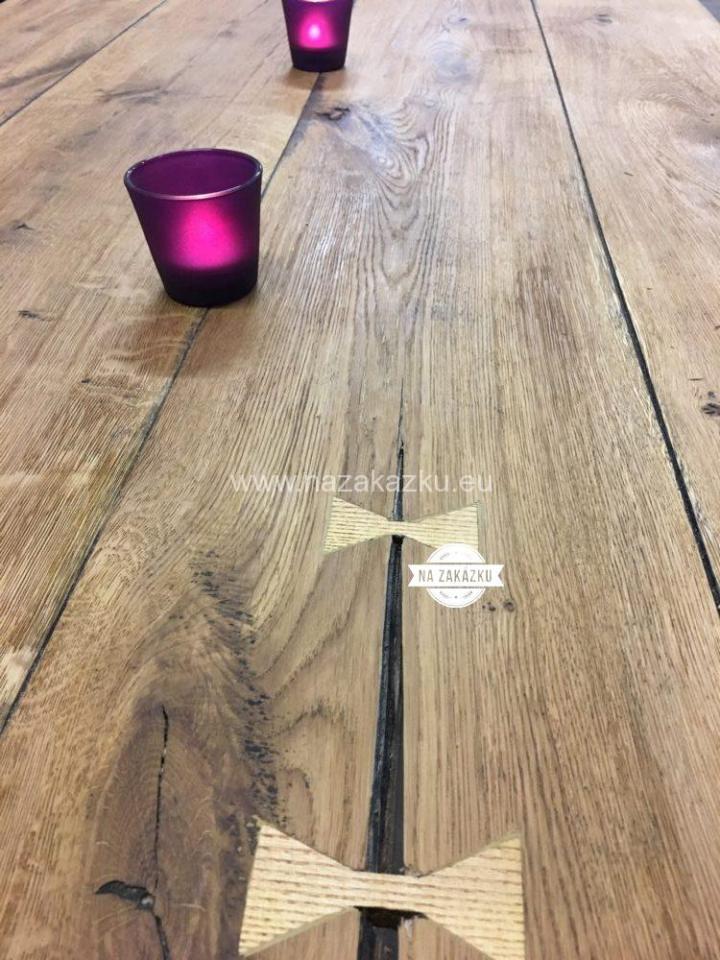 Dubový designový stůl