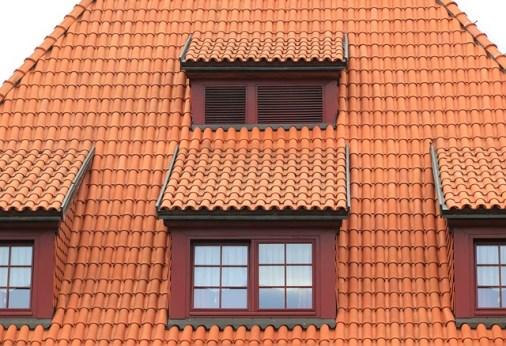 Dřevěná vs plastová okna