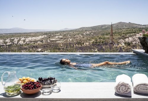 Argos- İn-Cappadocia-nevsehir-otel-havuz